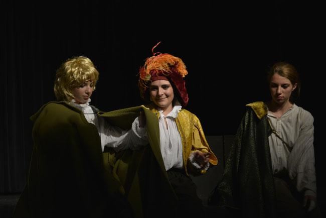 La Mandragore, N. Machiavel, Ligurio, Nicia, Siro, 1ère Spécialité Théâtre présentation du 2 juin 2014 (cliquer sur l'image pour voir le diaporama)