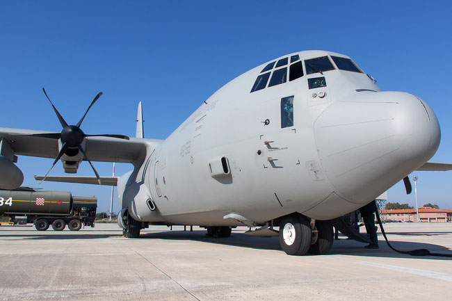 Un C-130J in carico alla nostra Aeronautica Milirare, il C-130-J30 è un'evoluzione di questo modello.