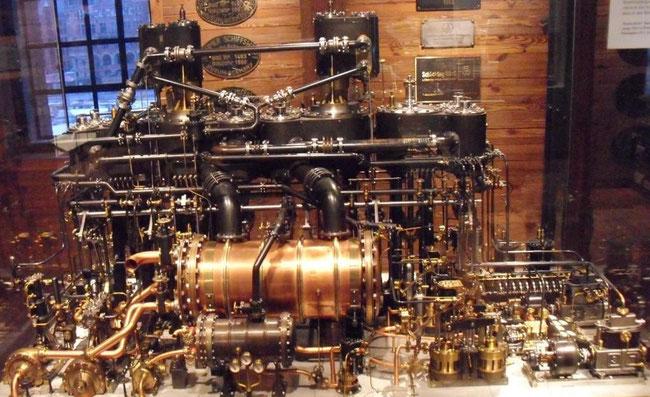Modell einer der zwei Antriebsanlagen der Deutschland (Foto Dr. Hochhaus)