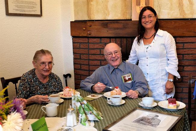 Maria Kotucha, Bruder Bernhard Schöpe und Tochter Karin Kotucha – Foto: Jürgen Sander