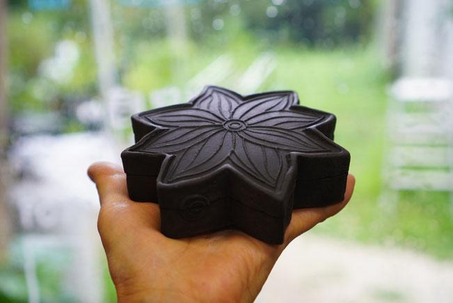 陶芸家 ブログ 焼き物 陶芸作品 茨城県笠間市 蓋物 小物入れ 印花 花模様