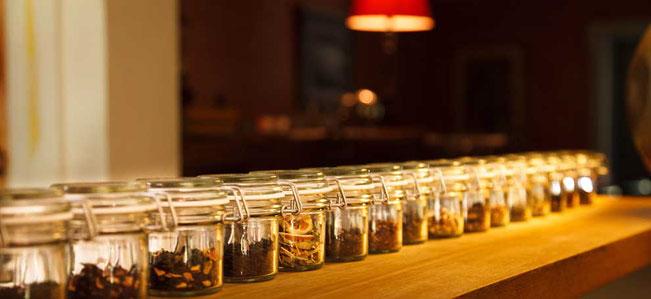 Bild Inhalt: Tea Kollektion: aromatische Verkostung.