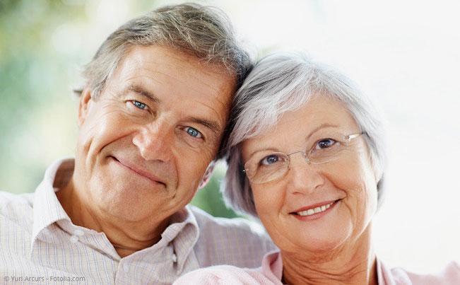 Prothesen können dann gemacht werden, wenn viele oder alle Zähne fehlen und keine Implantate in Frage kommen.