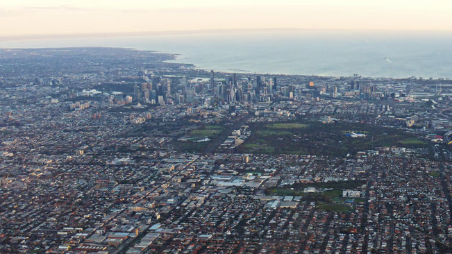 Melbourne City on Port Philip Bay