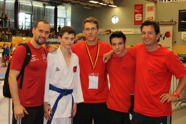 DM 2013 in Cottbus, unsere Starter Endrit Salihi und Andre Benayas und ihre Trainer Ralf Kulakowski und Marcel Schenk. Endrit holte den 7 Platz.