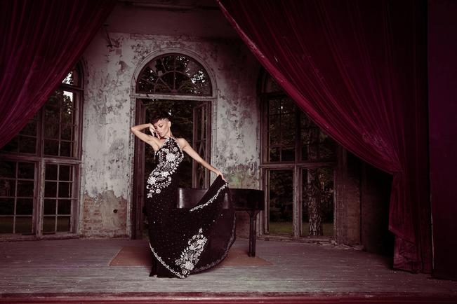 Nanna Kuckuck Couture, Abendkleider, Saree, bestickter Chiffon, neue Kollektion