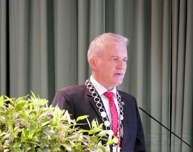 Erste Rede als Bürgermeister von Wächtersbach © mainhattanphoto/Klaus Leitzbach