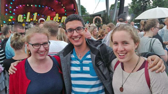 Anna Nick, Martin Rosenberger und Ricarda Clasen beim Allsång.