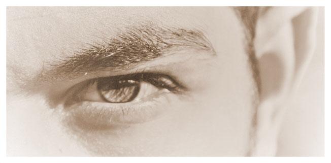 diseño y depilación de cejas hombre
