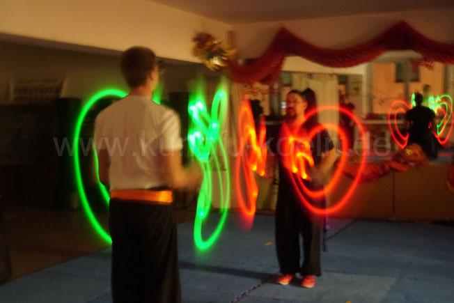 Kung Fu Leuchtshow in der Jing Wu Schule Köln Ehrenfeld