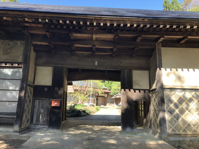 長屋門のナマコ壁