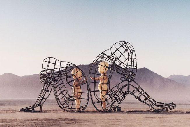 Skulptur von Alexander Milov fotografiert von Gerome Viavant