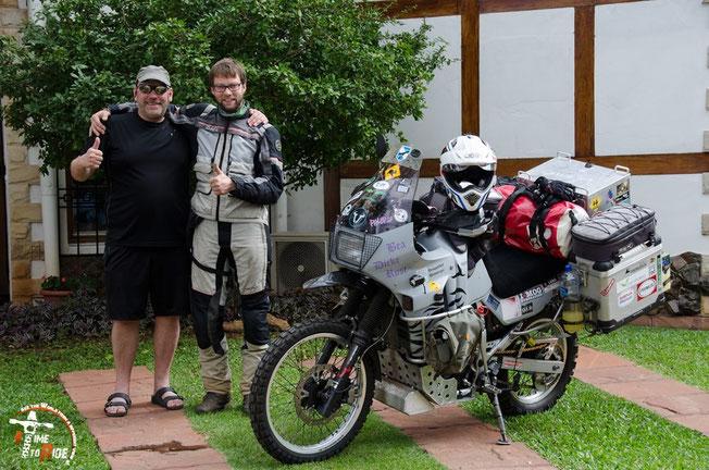 Paraguay - Motorrad - Reise - Worldtrip - Motorcycle - Südamerika - South america - Helle mit Friedhelm, unserem Gastgeber in Asuncion
