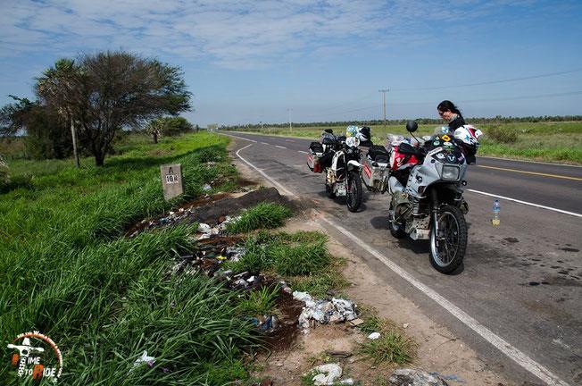 Paraguay - Motorrad - Reise - Worldtrip - Motorcycle - Südamerika - South america - Von Asuncion aus geht es nach Filadelfia in den Chaco