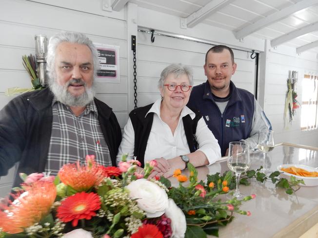 Catering-Familie Vital: Hitsch, Ruth und Markus (hier auf einer anderen Fahrt)