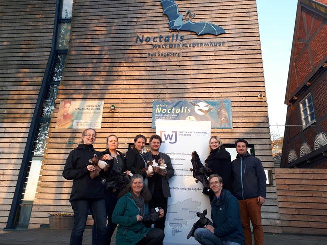 Wirtschaftsjunioren Gruppenfoto vor dem Noctalis