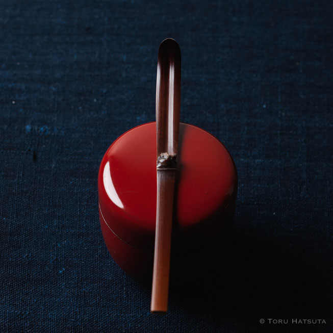 『煤竹旅茶杓.E』点前の際の目線のイメージで