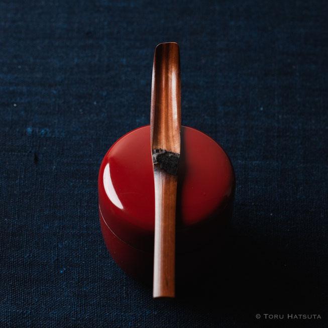『煤竹旅茶杓.G』点前の際の目線のイメージで
