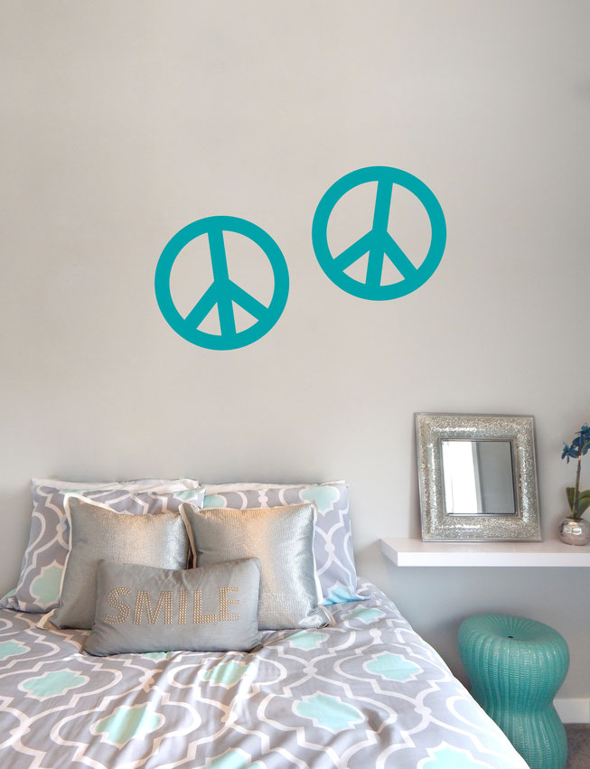 Chunky Peace signs vinyl Wall art decals from www.wallartcompany.co.uk