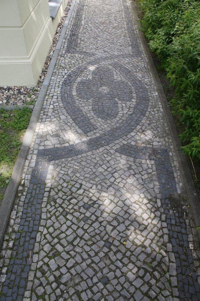 Potsdam Berliner Vorstadt Villengegend beste Wohngegend Kopfsteinpflaster mit Muster