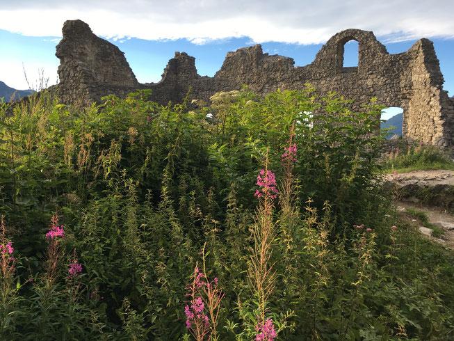 Castle ruins in Ehrenberg Tirol Austria (Rheutte)