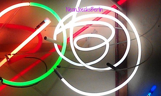 NeonJoecks // Neon Kunst