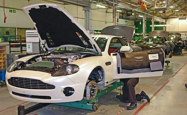 Produktion des Aston Martin Vanquish in Newport Pagnell 2007