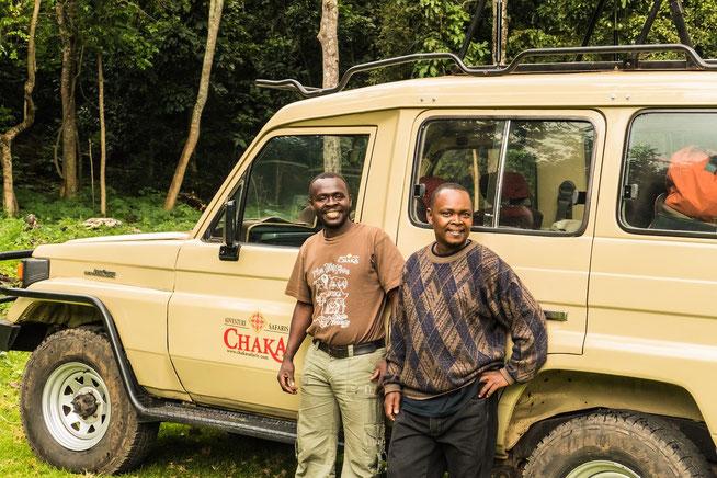 Die treuen Gefährten: unserer Guide Zawadi links und unser Koch Alois rechts - Public Campsite No. 1