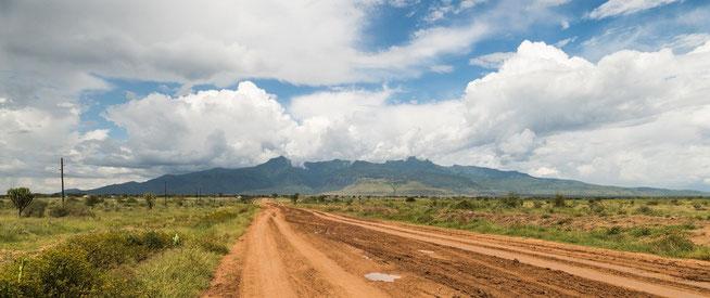 Blick auf Moroto Town und den Mount Moroto