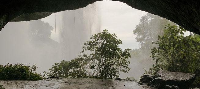 Höhle hinter den Sipi Falls