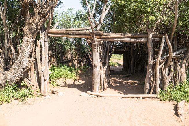Wehrtor Nr. 2 als Zugang zum Dorf