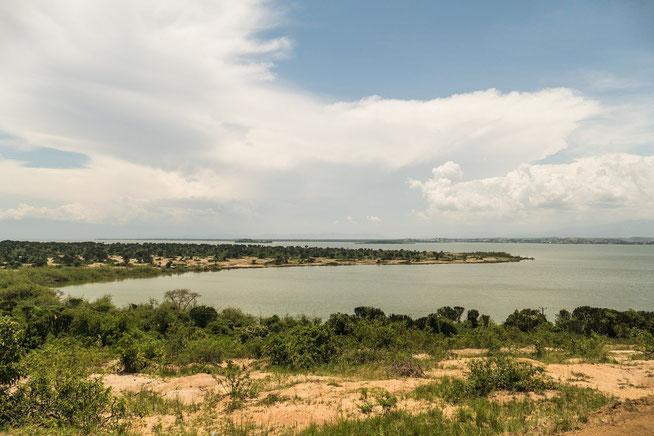 Lake Edward - Mweya Peninsula mit Blick nach Katwe