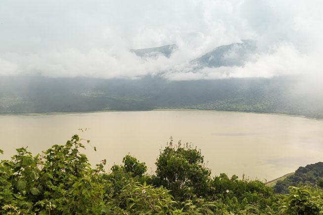 Dichte Wolkenfelder über dem Lake Empakaai