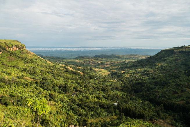 Blick von der Campsite über die Pian Upe Plains