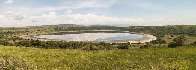 """""""nyamanyuka"""" Krater Lake"""