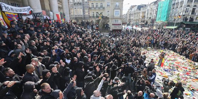 Belgische Hooligans stören Gedenkveranstaltung in Brüssel. © Yves Herman/Reuters
