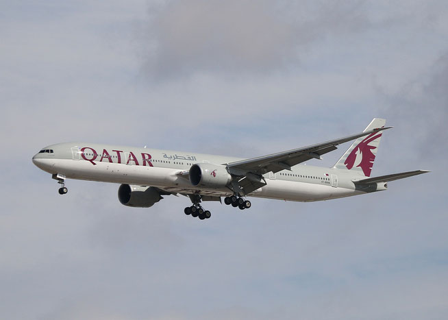 "B 777-3DZER "" A7-BAN "" Qatar Airways -1"