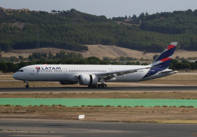 "B 787-9  "" CC-BGG ""  LATAM Chile -2"
