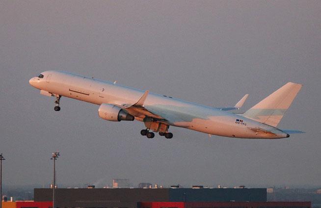 "B 757-222PCF (WL)  "" OO-TCF ""  ASL Airlines Belgium -2"