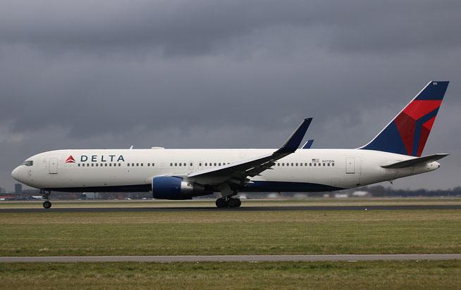 """B 767-332ER """" N171DN """" Delta Airlines -1"""