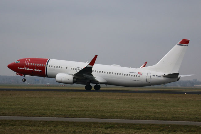 "B 737-8JP/W  "" LN-NHG ""  Norwegian Air Shuttle -1"