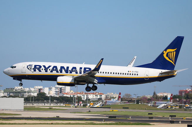 "B 737-8AS (W)  "" EI-FEG ""  Ryanair -1"