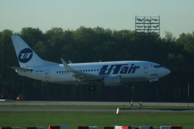 "B 737-524 "" VP-BYM "" UTair -2"