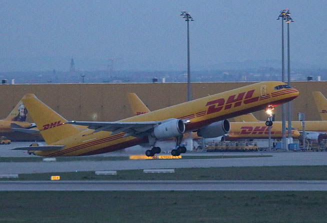 "B 757-236/SF  "" D-ALEW ""  EAT Leipzig -1"