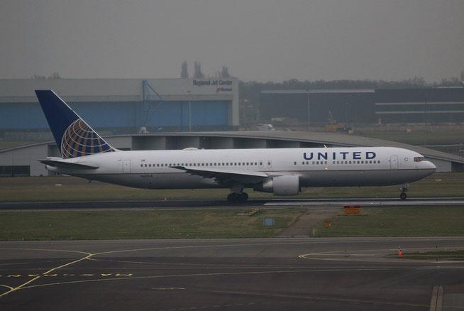 "B 767-322ER "" N651UA ""  United Airlines -1"