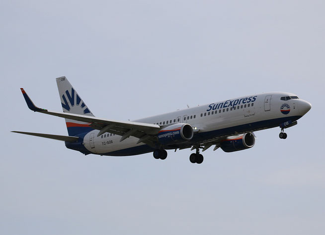"B 737-8HC/W "" TC-SOB "" SunExpress -1"