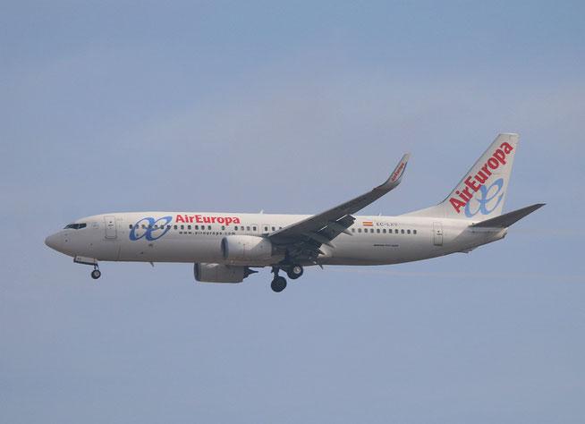 """B 737-85P/W """" EC-LXV """"  Air Europa -2"""