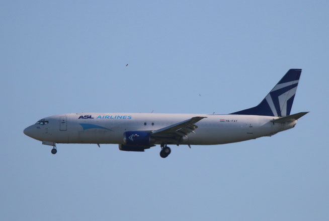 "B 737-429/SF  "" HA-FAY ""  ASL Airlines Hungary -1"