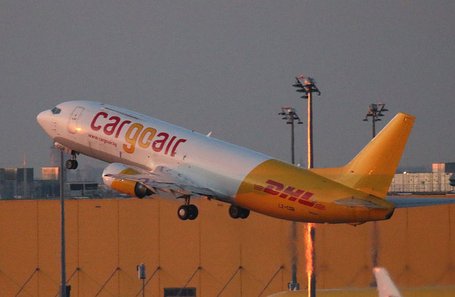 "B 737-448/SF  "" LZ-CGR ""  Cargo Air -3"