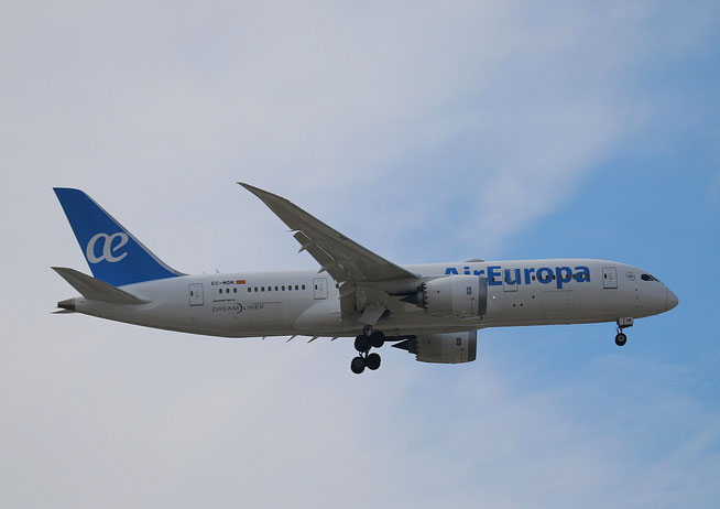 "B 787-8  "" EC-MOM ""  Air Europa -1"